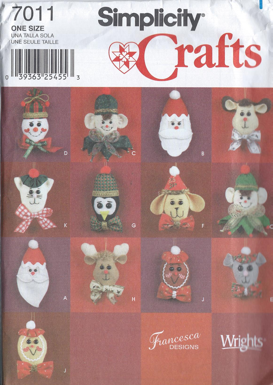 Free Crochet Pattern 80968AD Amigurumi Christmas Mouse Ornament